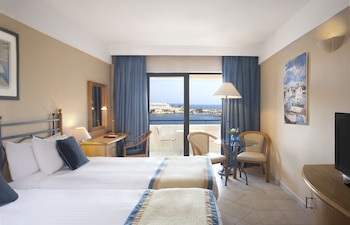 Superior Twin Room, 2 Twin Beds, Sea View