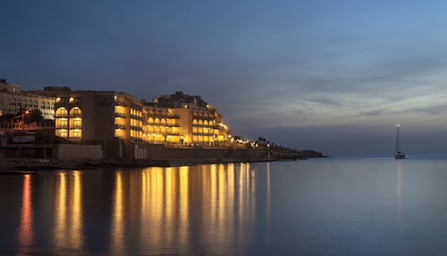 . Marina Hotel Corinthia Beach Resort