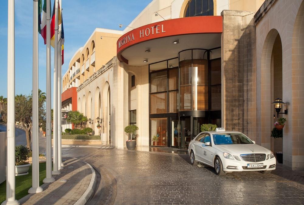 https://i.travelapi.com/hotels/2000000/1130000/1124500/1124418/adcb5961_z.jpg