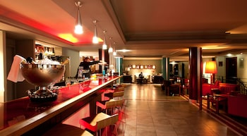 Grand Hotel les Flamants Roses - Hotel Bar  - #0