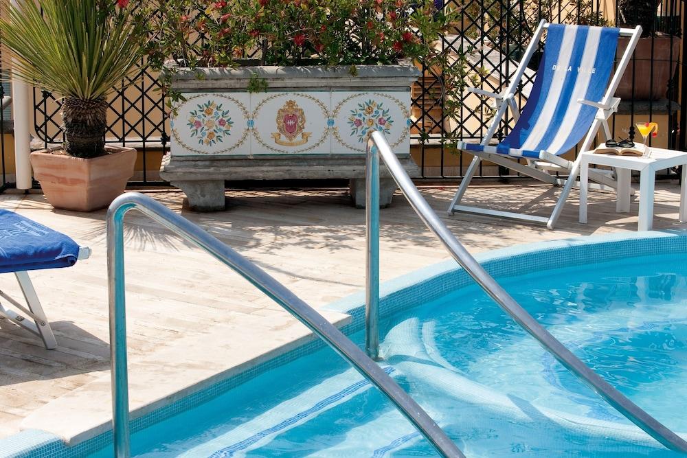 그랜드 호텔 드 라 빌르(Grand Hotel De La Ville) Hotel Image 21 - Outdoor Pool