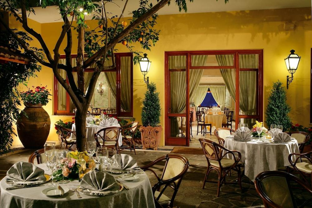 그랜드 호텔 드 라 빌르(Grand Hotel De La Ville) Hotel Image 36 - Outdoor Dining