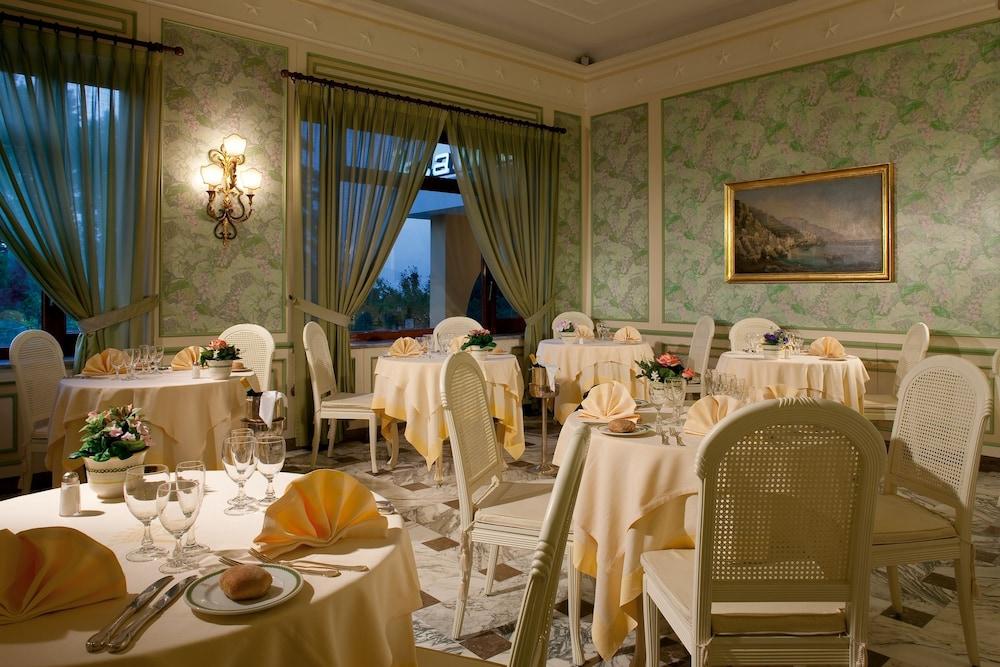 그랜드 호텔 드 라 빌르(Grand Hotel De La Ville) Hotel Image 29 - Restaurant