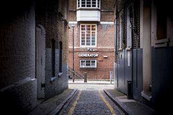ジェネレーター ロンドン