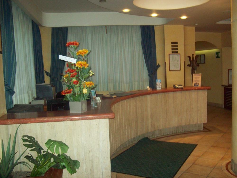 아에르 호텔 펠리페(Aer Hotel Phelipe) Hotel Image 19 - Interior Entrance