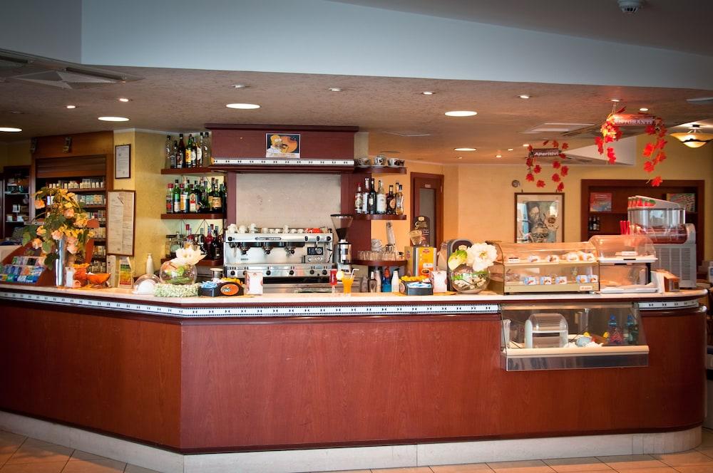 아에르 호텔 펠리페(Aer Hotel Phelipe) Hotel Image 31 - Hotel Bar