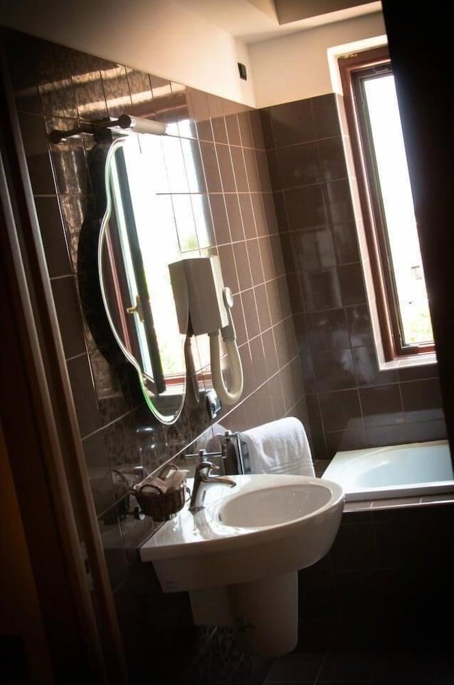 아에르 호텔 펠리페(Aer Hotel Phelipe) Hotel Image 24 - Bathroom