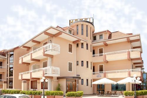 . Aer Hotel Phelipe