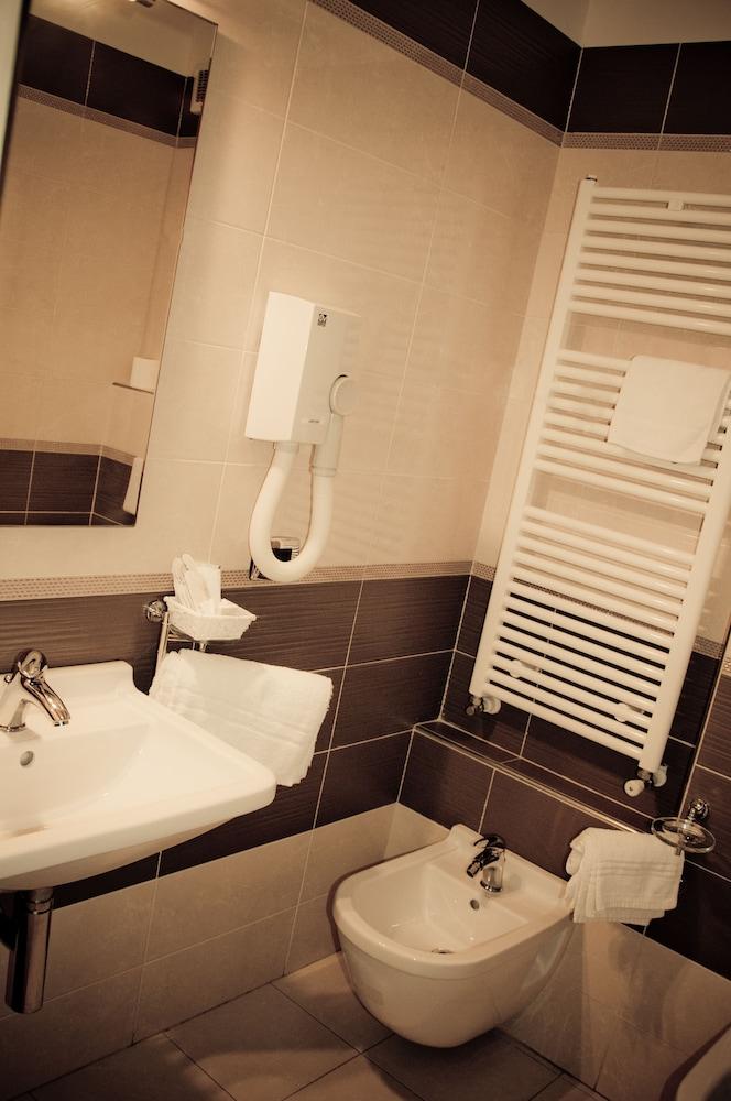 아에르 호텔 펠리페(Aer Hotel Phelipe) Hotel Image 21 - Bathroom
