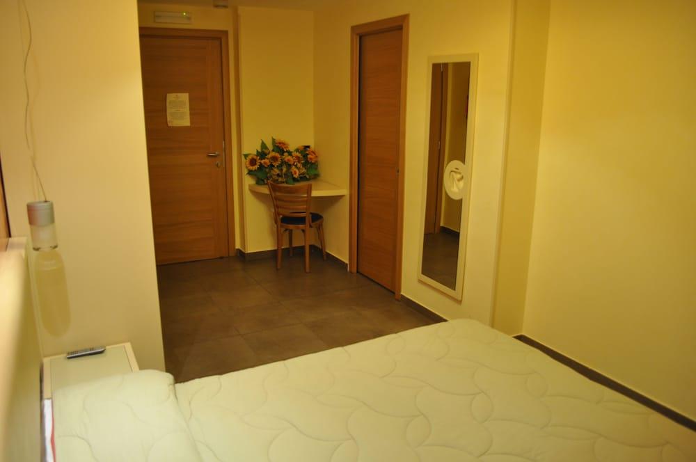 아에르 호텔 펠리페(Aer Hotel Phelipe) Hotel Image 6 - Guestroom