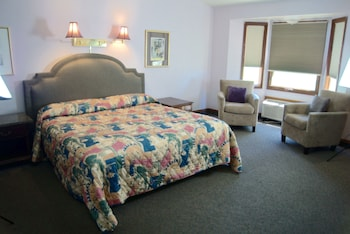 Hotel - Hilltop Inn & Suites