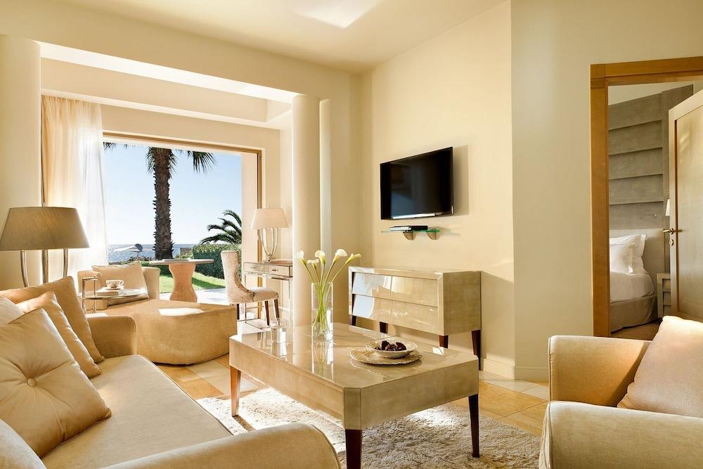 https://i.travelapi.com/hotels/2000000/1140000/1135900/1135879/ff545332_z.jpg
