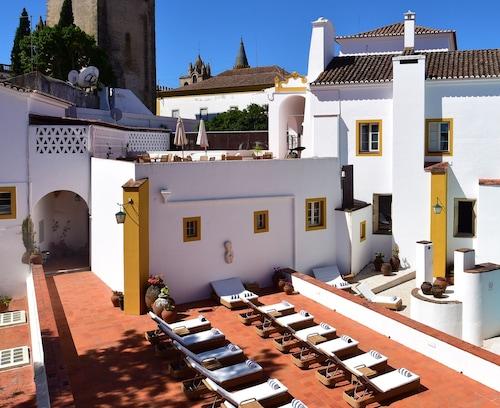 . Pousada Convento de Evora - Historic Hotel