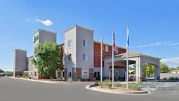 Holiday Inn Express Bernalillo, an IHG Hotel