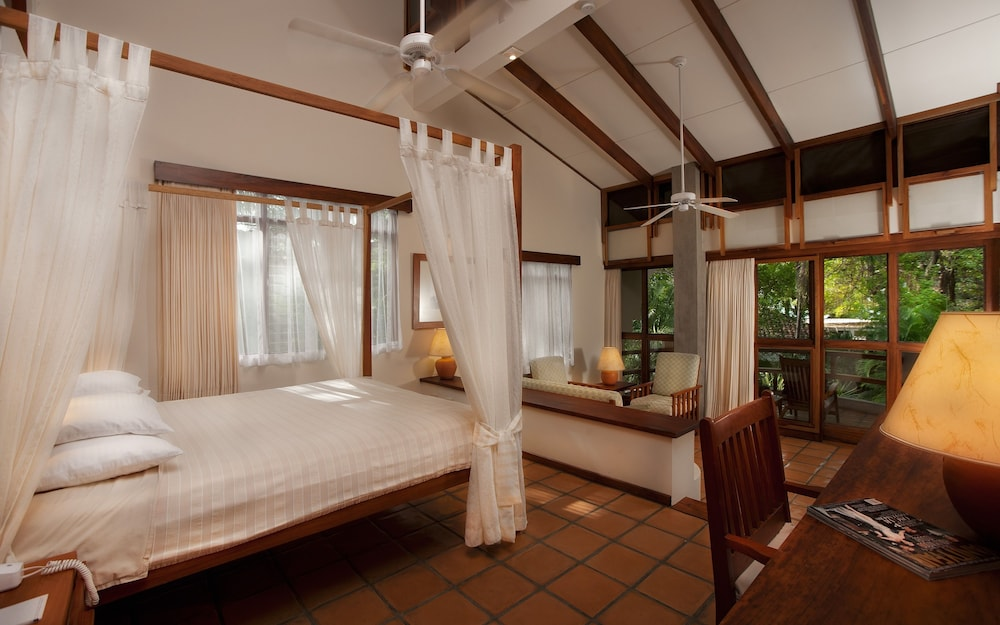 https://i.travelapi.com/hotels/2000000/1150000/1140100/1140010/0d9a4128_z.jpg