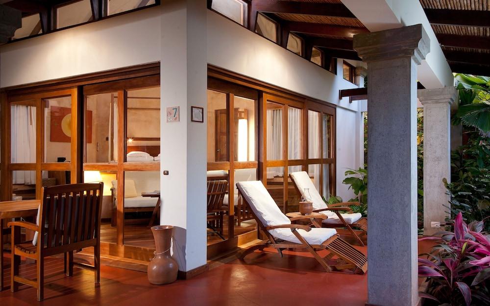 https://i.travelapi.com/hotels/2000000/1150000/1140100/1140010/102ea090_z.jpg
