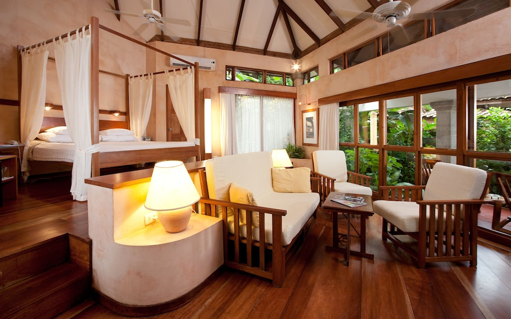https://i.travelapi.com/hotels/2000000/1150000/1140100/1140010/249d5c88_z.jpg