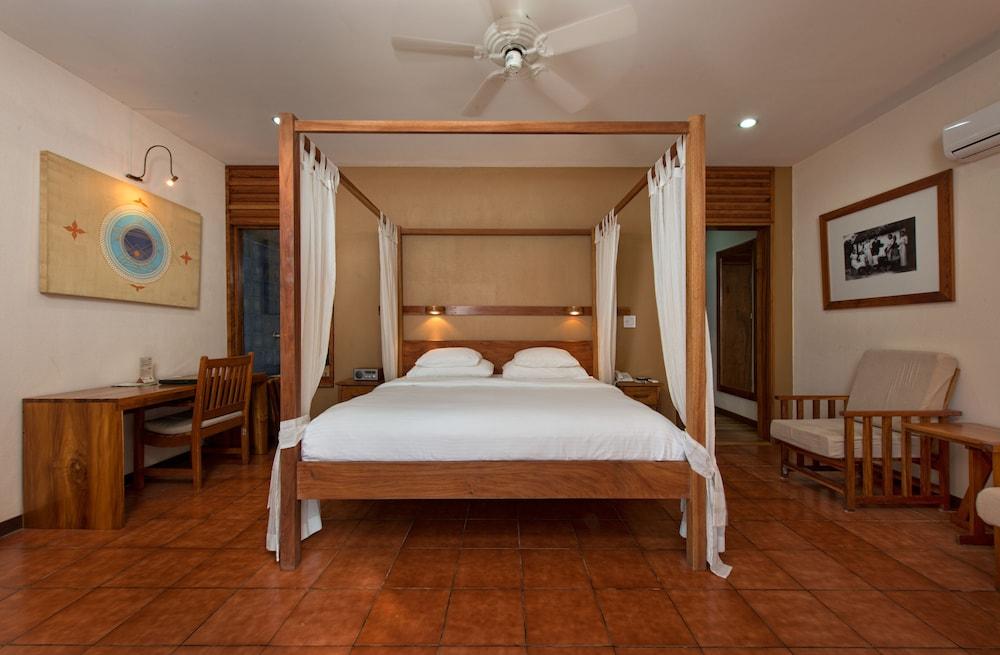 https://i.travelapi.com/hotels/2000000/1150000/1140100/1140010/8dcbba30_z.jpg