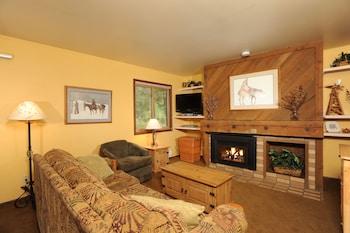 Studio (Aspen Ridge)