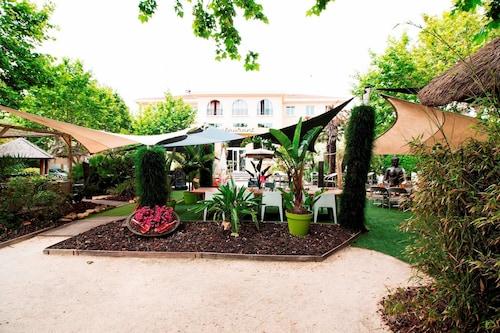. Adonis Sanary Grand Hôtel des Bains