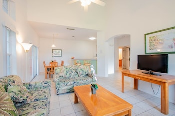 Comfort Townhome, 4 Bedrooms, Accessible