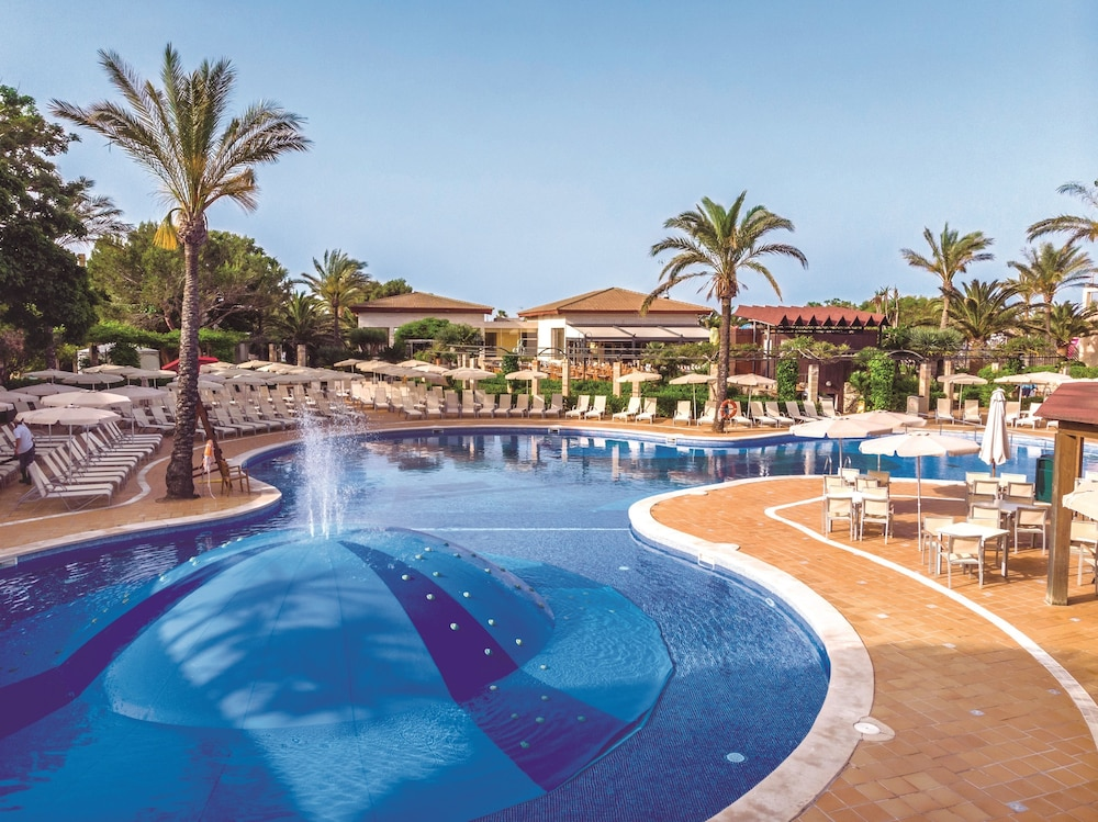 Zafiro Menorca Aparthotel, Featured Image
