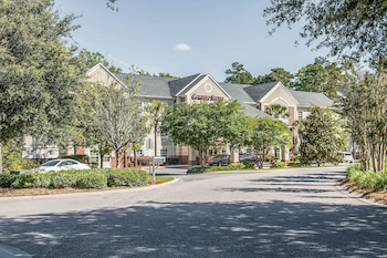 Exterior at Comfort Suites Hilton Head Island Area in Bluffton