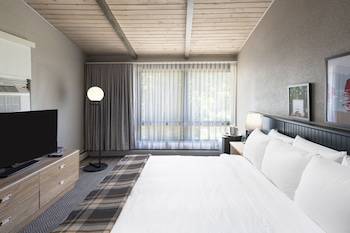 Superior Room, 1 King Bed (Premium Room King Bed)