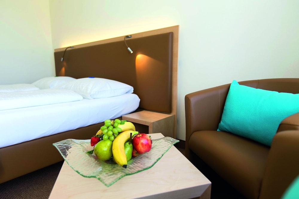 모멘텀 호텔(Momentum Hotel) Hotel Image 5 - Guestroom