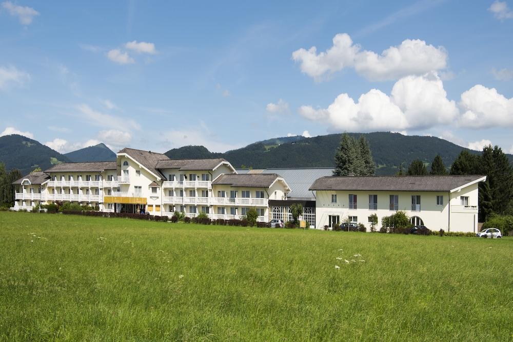모멘텀 호텔(Momentum Hotel) Hotel Image 59 - Hotel Front