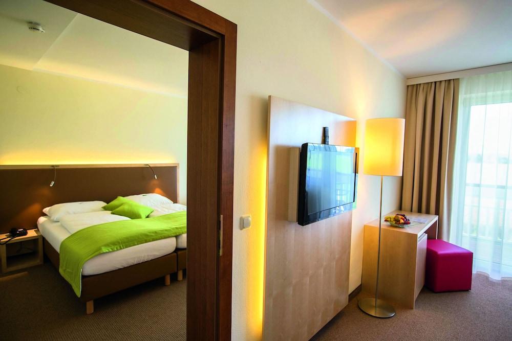 모멘텀 호텔(Momentum Hotel) Hotel Image 13 - Guestroom
