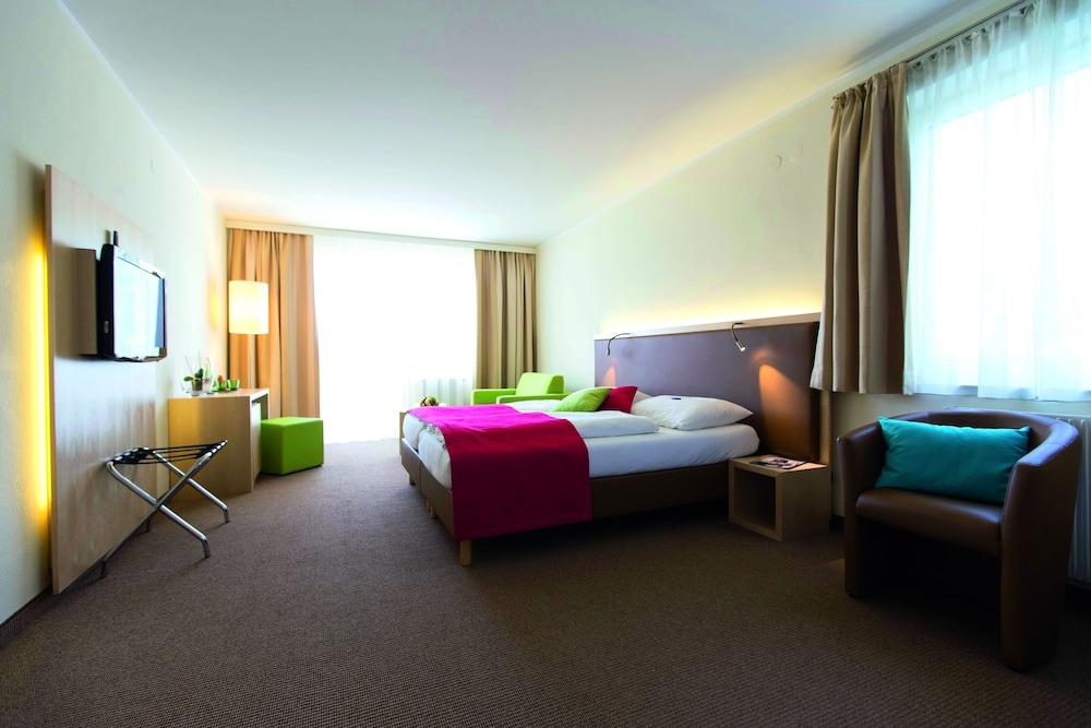 모멘텀 호텔(Momentum Hotel) Hotel Image 14 - Guestroom