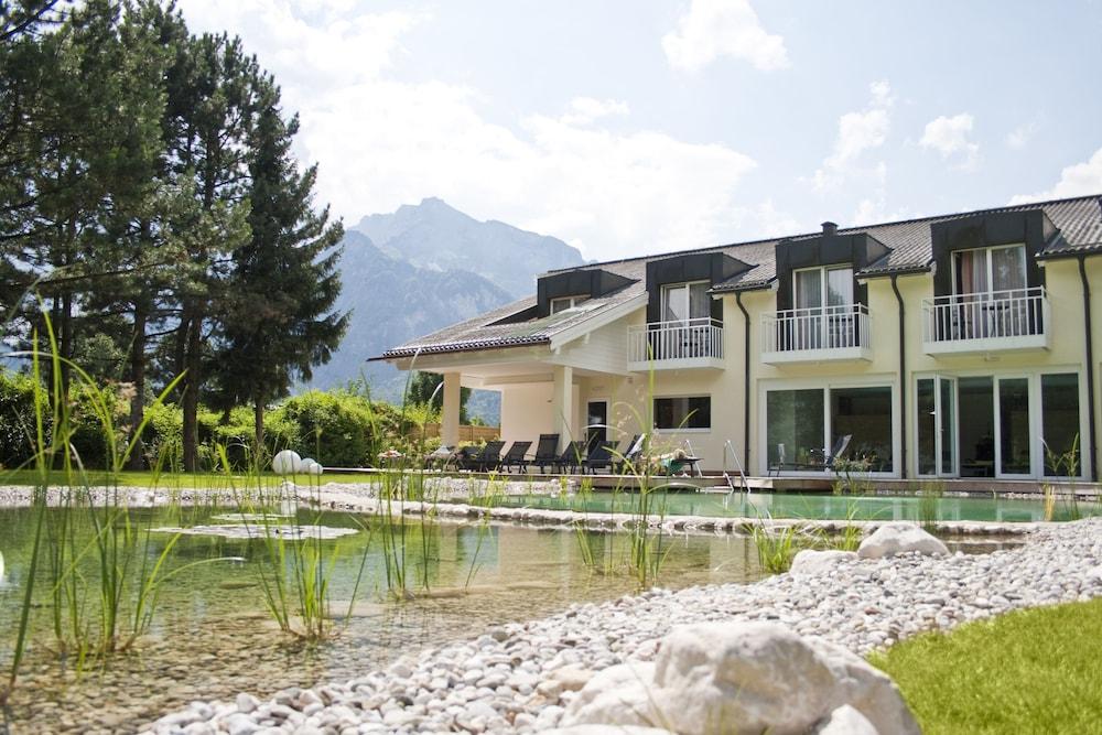 모멘텀 호텔(Momentum Hotel) Hotel Image 27 - Natural Pool