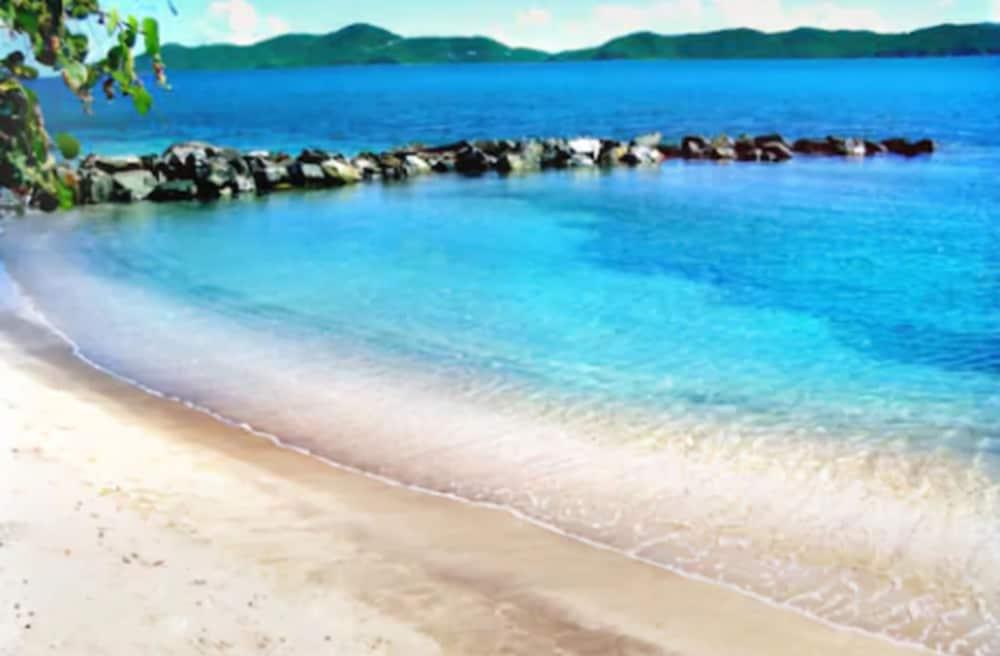 https://i.travelapi.com/hotels/2000000/1150000/1142500/1142462/d0667412_z.jpg