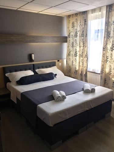 Bruksela - Hôtel Prince De Liège - z Krakowa, 14 kwietnia 2021, 3 noce