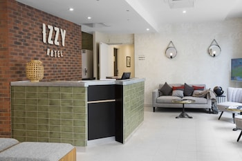Hotel - Hotel Izzy by HappyCulture