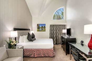 Sacramento Vacations - Aggie Inn, an Ascend Hotel Collection Member - Property Image 1