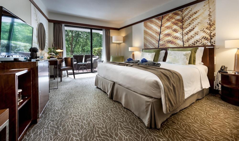 https://i.travelapi.com/hotels/2000000/1150000/1145100/1145025/675ddfa3_z.jpg