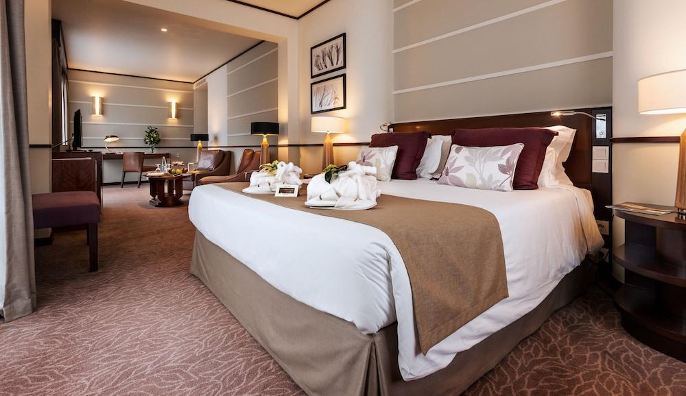 https://i.travelapi.com/hotels/2000000/1150000/1145100/1145025/74451045_z.jpg