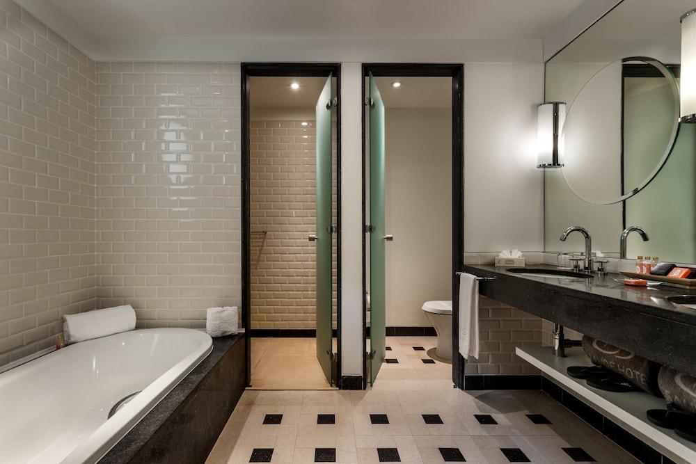 https://i.travelapi.com/hotels/2000000/1150000/1145100/1145025/90b83b7b_z.jpg