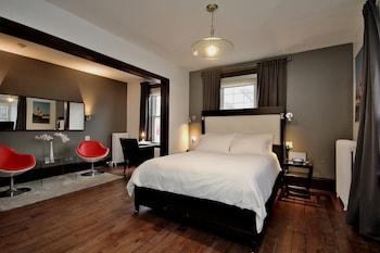 Deluxe Room, 1 Queen Bed, Fireplace