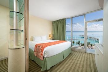 Classic One Bedroom Suite Partial Ocean View