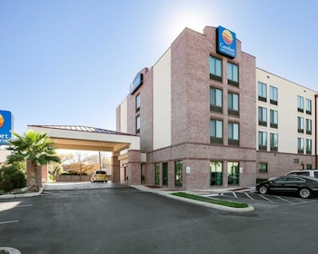 Hotel - Comfort Inn And Suites Airport