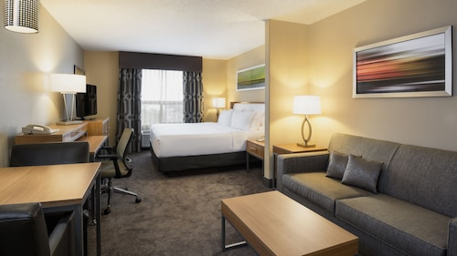 Holiday Inn Express & Suites Sherwood, Division No. 11