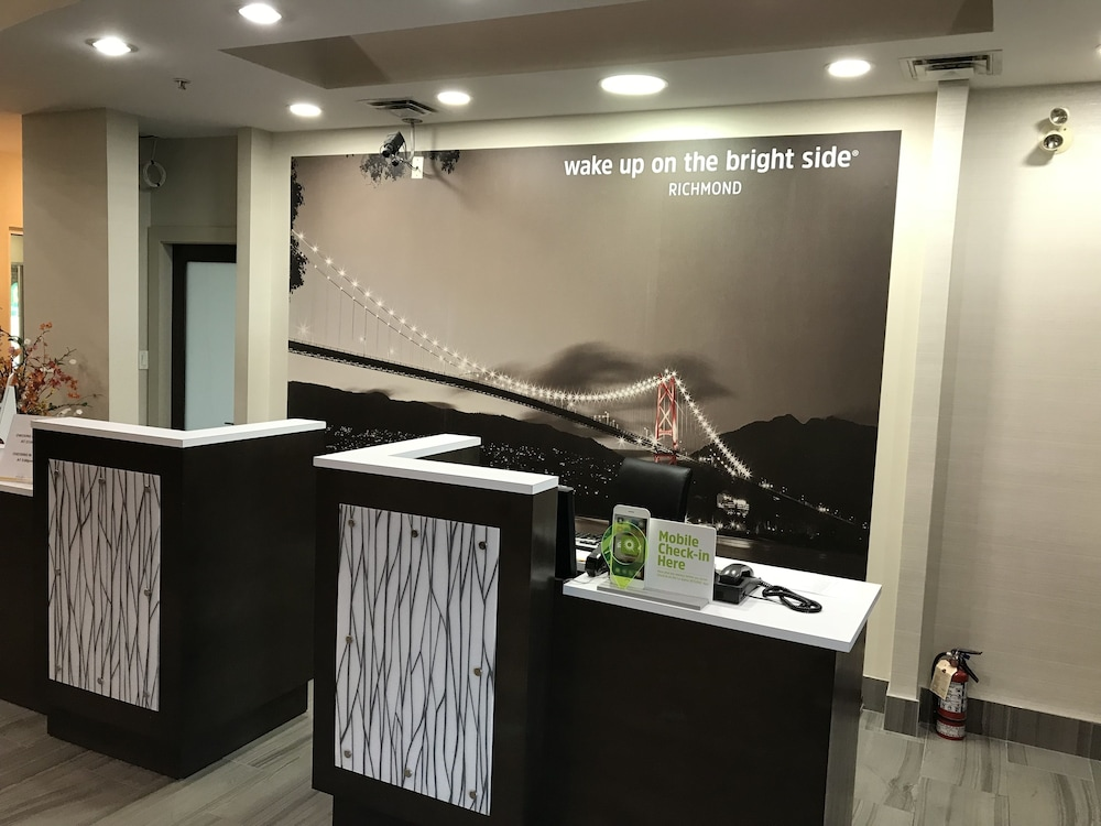 ラ キンタ イン バイ ウィンダム バンクーバー エアポート