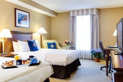 __{offers.Best_flights}__ Salem Waterfront Hotel & Suites