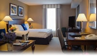 Junior Suite, 1 King Bed with Sofabed, Refrigerator & Microwave
