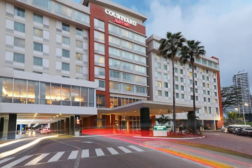 . Courtyard by Marriott Panama Multiplaza Mall