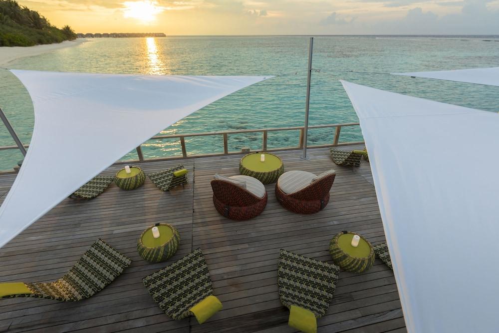 벨라사루 몰디브(Velassaru Maldives) Hotel Image 70 - Hotel Bar