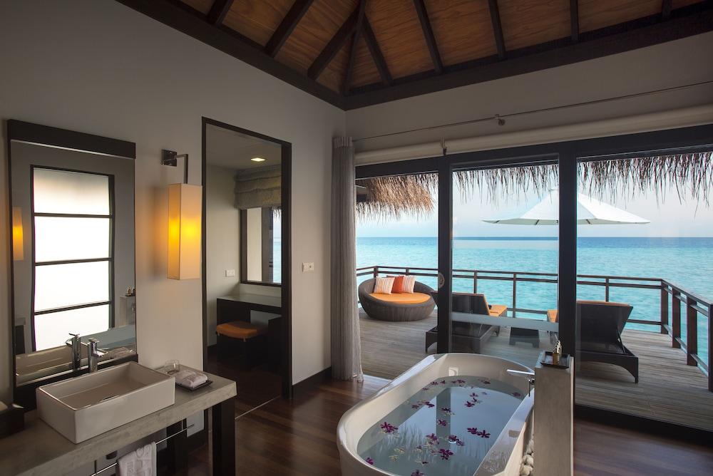 벨라사루 몰디브(Velassaru Maldives) Hotel Image 39 - Bathroom